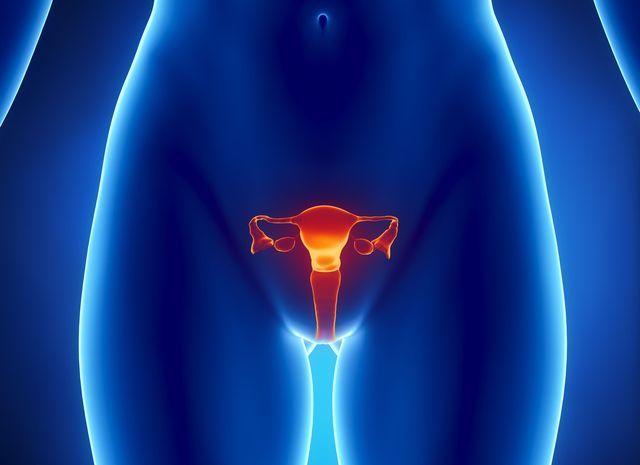 Коричневые выделения со сгустками крови у женщин: норма и патология
