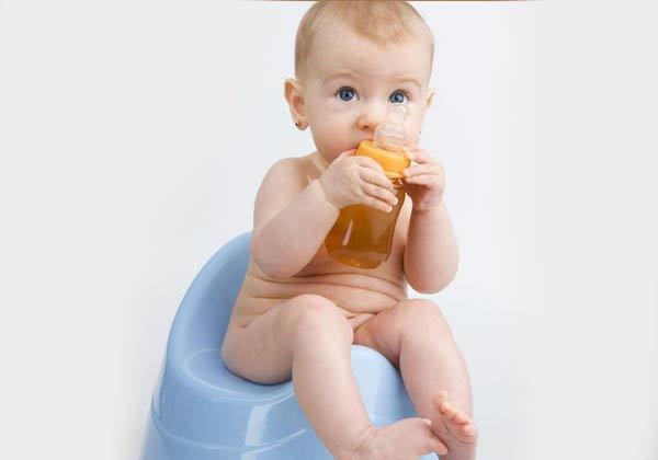 Неприятный запах мочи у ребенка: почему возникает и что делать?