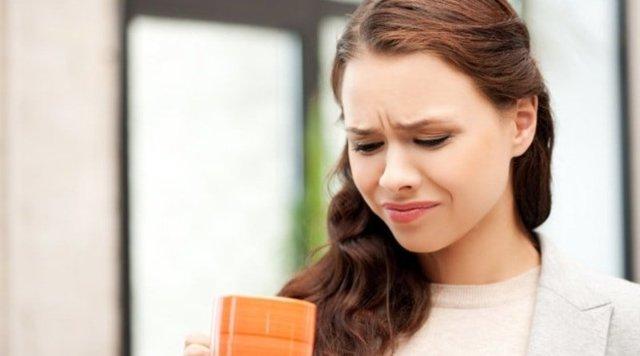 Почему появляется привкус железа во рту - основные причины симптома