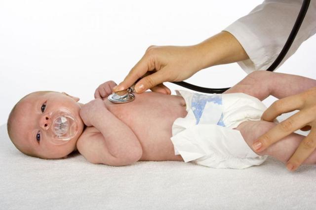 Скрытая кровь в кале у ребенка: причины и лечение