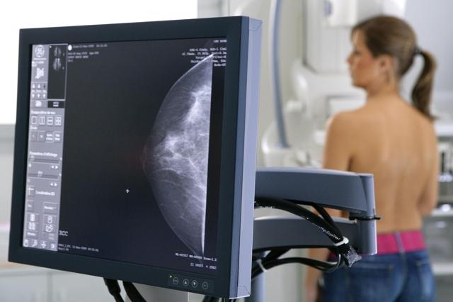 Маммография - что это такое и о чем может рассказать обследование?
