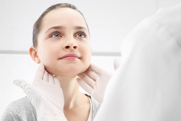 Высокие лимфоциты в крови у ребенка: причины, симптомы и особенности лечения