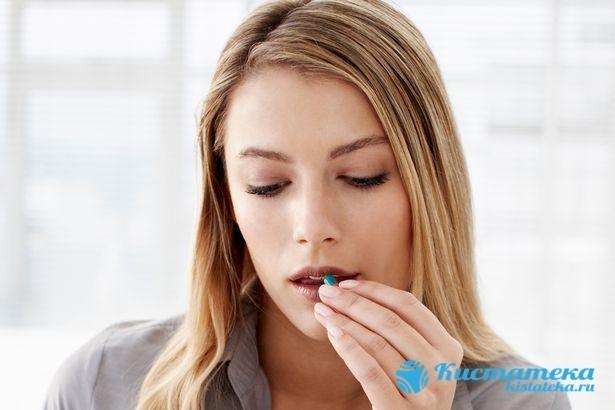 Из-за чего образуется киста яичника у женщин, симптоматика и возможные осложнения