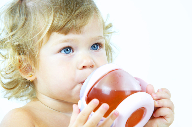 Чем повысить гемоглобин ребенку: лекарства, рецепты и правильное питание