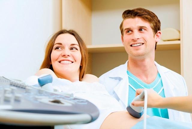 Первое УЗИ скрининг при беременности: способ проведения и норма показателей