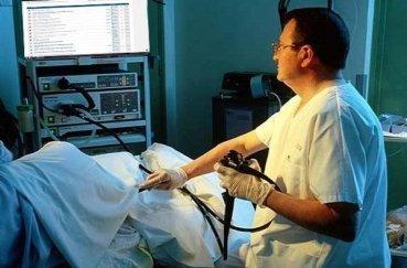 Колоноскопия кишечника - что это такое, назначение, подготовка, процедура обследования и возможные противопоказания
