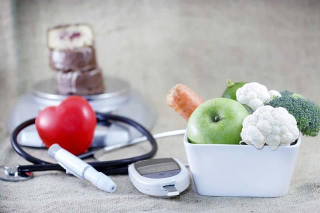 Причины повышения сахара в крови, симптомы, диагностика и правильное питание при сахарном диабете