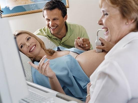 На заметку будущим мамам: на каком сроке можно увидеть пол ребенка