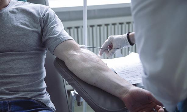 Норма холестерина в крови у мужчин, причины отклонения и методика нормализации показателя
