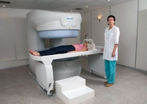 Как делают МРТ позвоночника, нужна ли подготовка и кому обследование противопоказано?